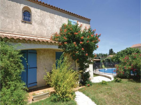 Four-Bedroom Holiday Home in Camaret sur Aigues