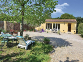 One-Bedroom Holiday Home in Caderousse